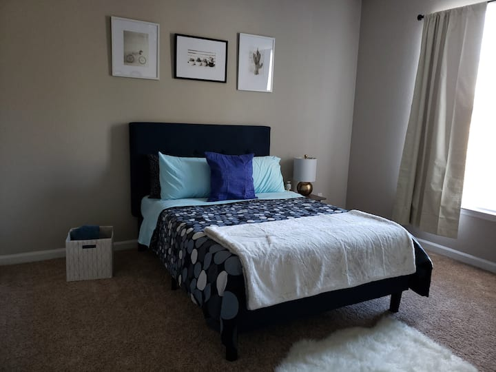 RDU/RTP/Weston Private Bedroom/Shared Bathroom #2