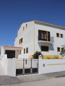 House near Baleal, Peniche & Praia del Rey Beach - Atouguia da Baleia