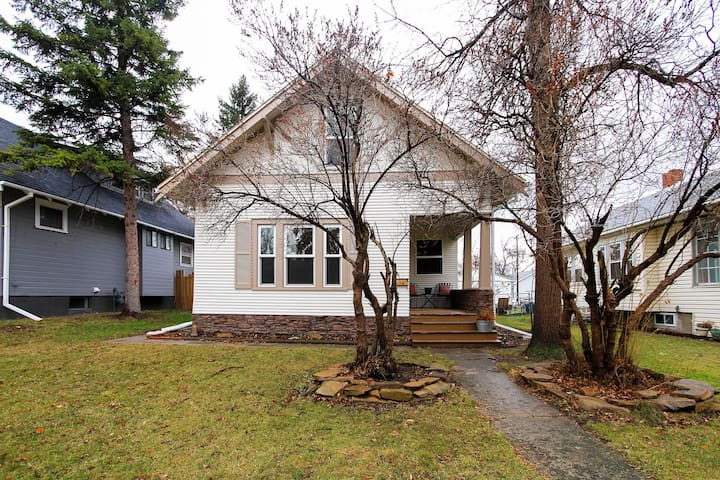 Pet-friendly Great Falls Home: Walk to Downtown!