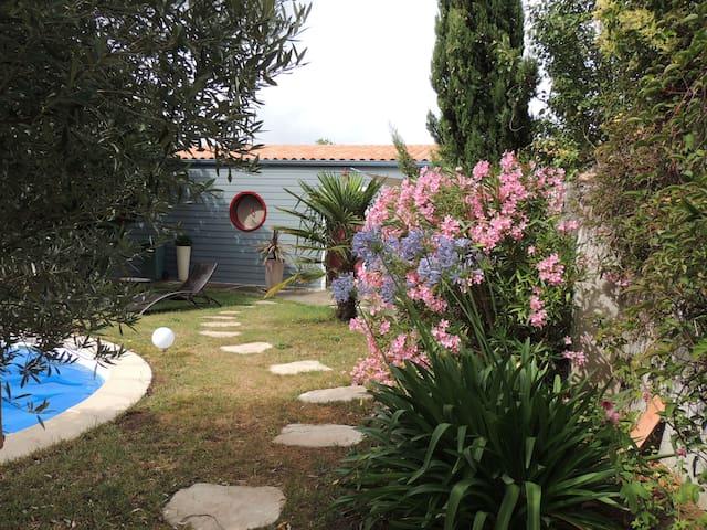 Nid douillet en fond de jardin