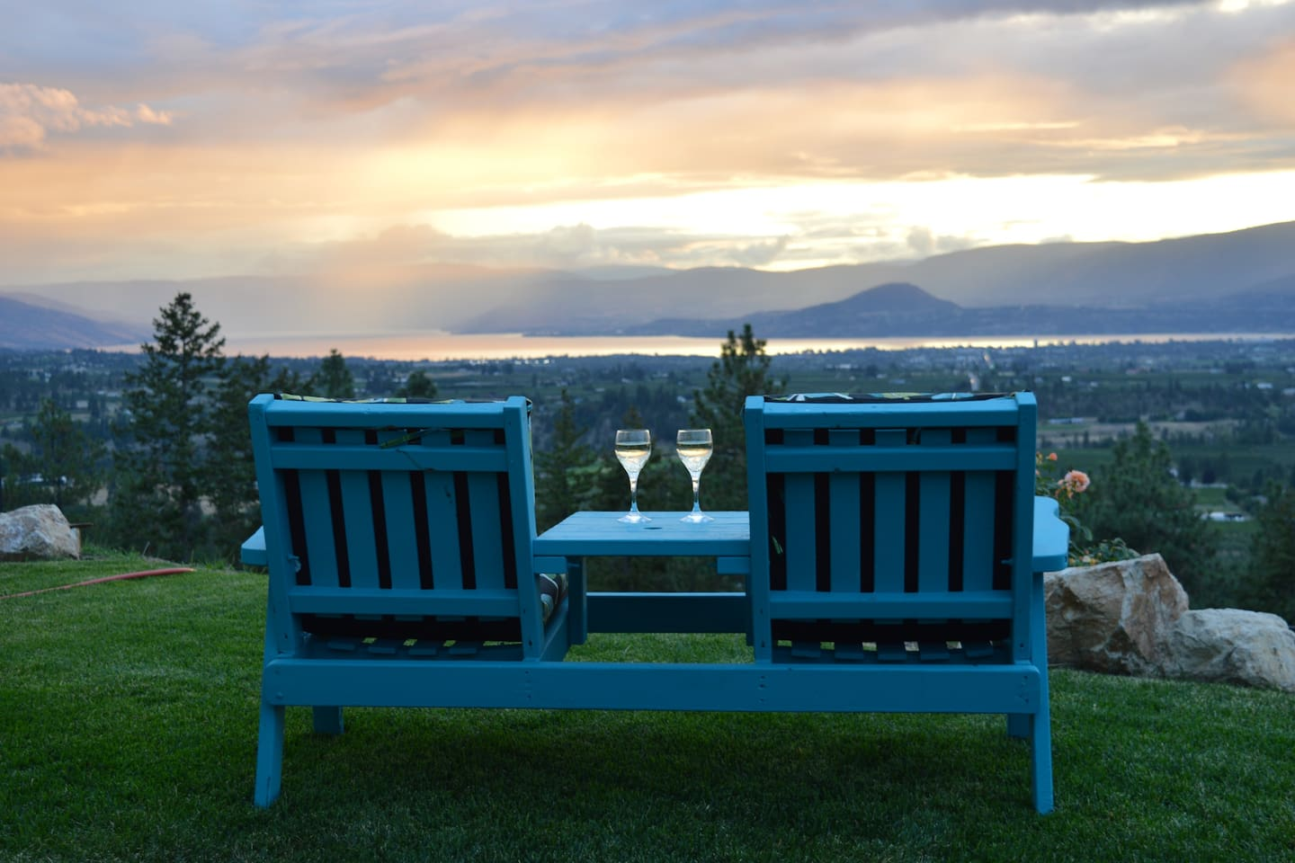 Kelowna Lookout, offering magnificent views, relaxed and peaceful ambiance.