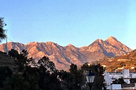 La Casita with fabulous mountain view