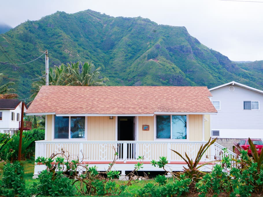 Welcome to your perfect Hawaiian style getaway. The home is perfect for families who want a great stay at a great price!