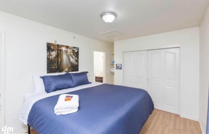 Bright Corner Unit, Denali Uptown Suites #5