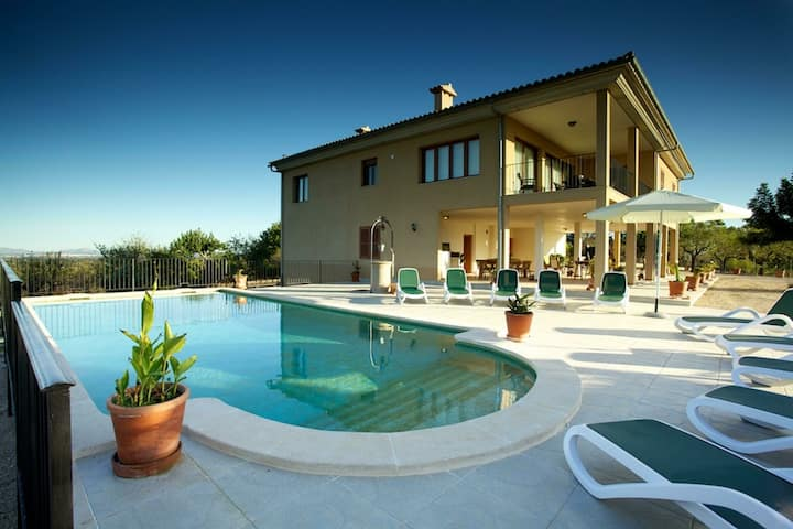 Spacious Mansion in Campanet with Private Pool
