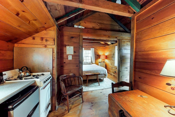 Small dog-friendly cabin w/ kitchenette, WiFi, near ponds, beaches, & trails!