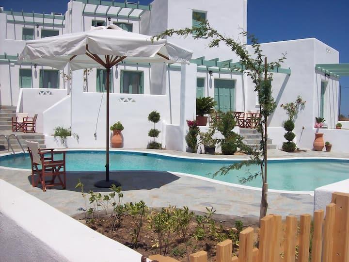 Skyros Luxury Lithari - With Pool, Near The Beach