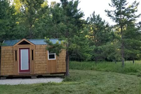 Tiny home near El. Rock, J.Shutins, and Taum Sauk.