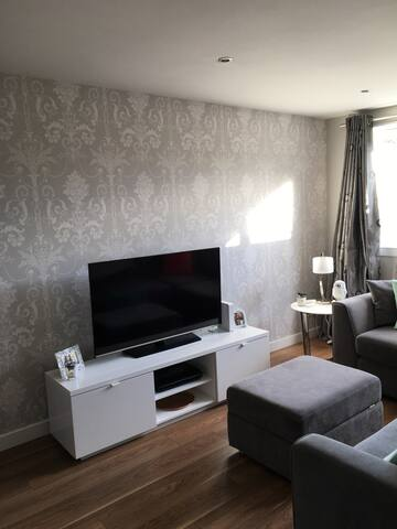 Newly renovated 1 bed with parking - Edimburgo - Apartamento