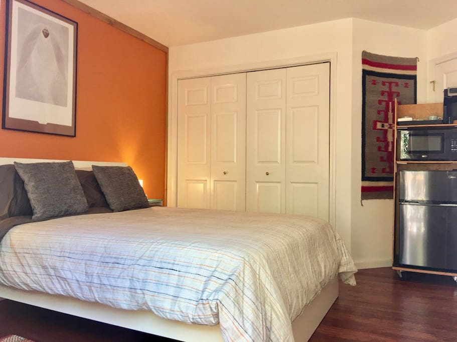 Queen Bed - extra comfy! Mini-fridge microwave, coffee maker in room.
