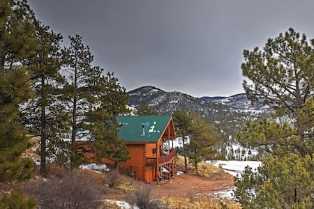 3BR Cripple Creek Cabin w/Stunning Scenery! - Cripple Creek - Blockhütte