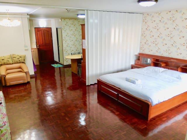 54Sqm Silom StreetFood350mBTS(S3) Chong Nonsi 曼谷中心