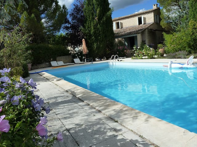 Beautiful, large and quiet house in Gordes - Gordes - Villa