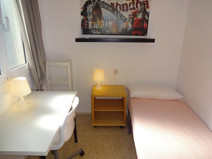 2.4Barcelona Sabadell Private Room (Full Services)