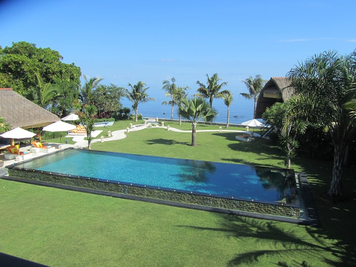 Wake up to the Sea of Bali: Beachfront luxury plus