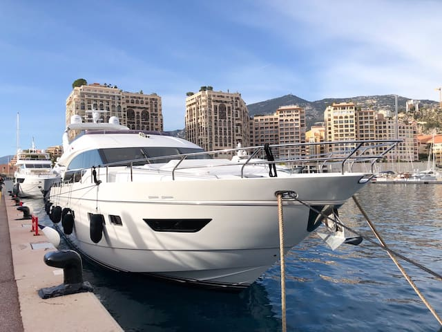 Monaco Fabulous Yacht for 8 guests