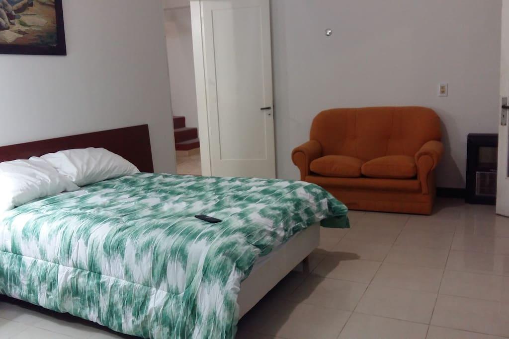 Somier de 2 1/2 plazas colchón de alta densidad
