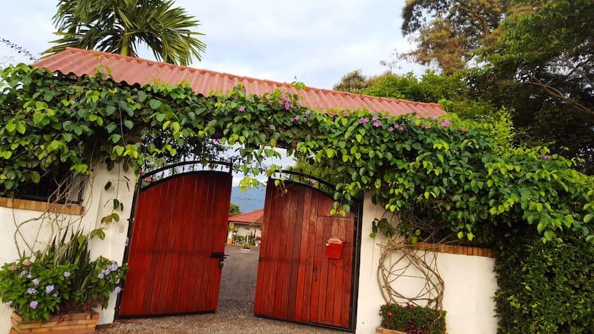 "Finca ""Los Gatitos"" in Cumaral, Meta, Kolumbien"
