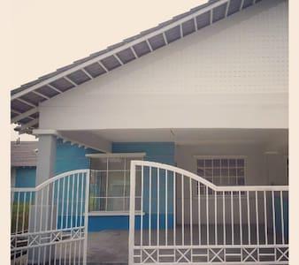 Semi-D House in Kuala Selangor town - Kuala Selangor - บ้าน