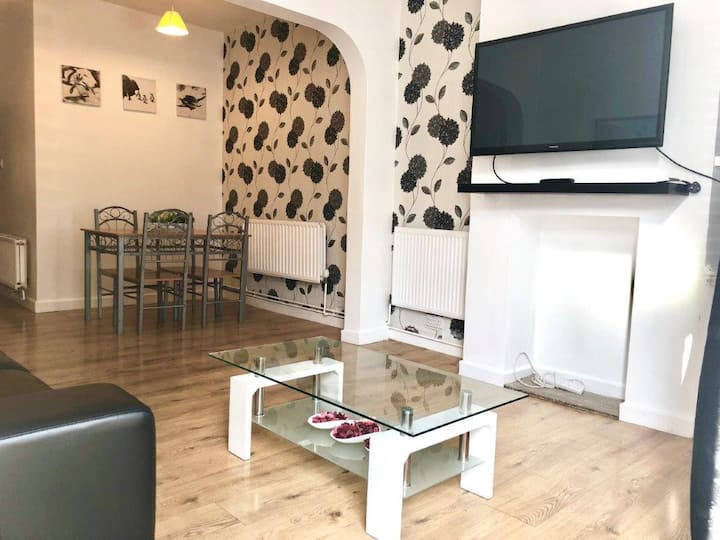 Cosy House close to Centre & Coventry University