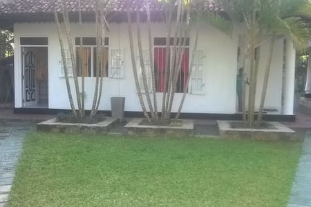 Induruwa House near Beach - Induruwa