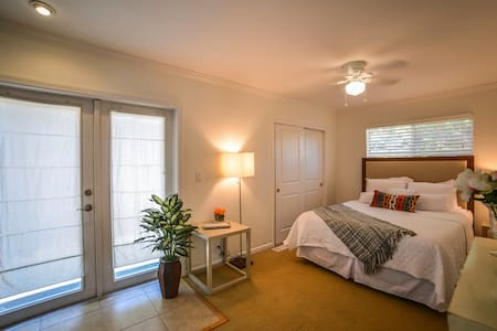 2BR Downtown Napa Escape with Hot Tub - Νάπα