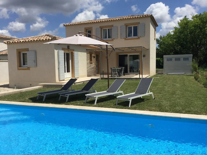 Pretty vacation rental private pool, Mouriès, 8prs