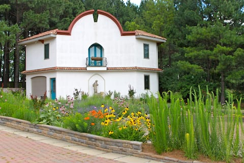 San Darmel Villa of the Ozarks