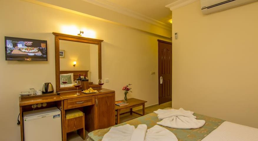Cozy Double Room at Central Area - Breakfast Inc.