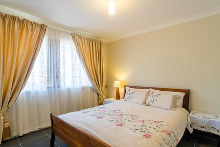 Comfy room in Western Sydney escape - Kingswood - Hus
