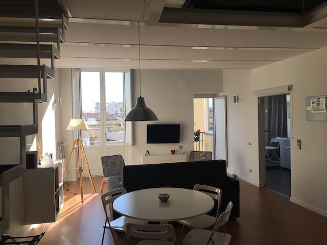 Center of Naples,Modern Loft with balcony - Napoli - Apartemen