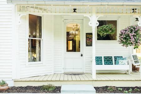 Historic Beaumont House - Graham Suite