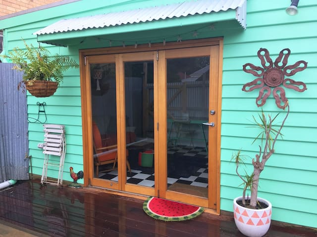 Comfortable, self contained bungalow 'Casa Verde'