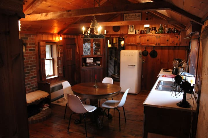Storybook Cottage in the Catskills - Jeffersonville - Hus