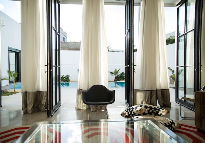 Les Verrières De Gammarth: Villa moderne +Piscine