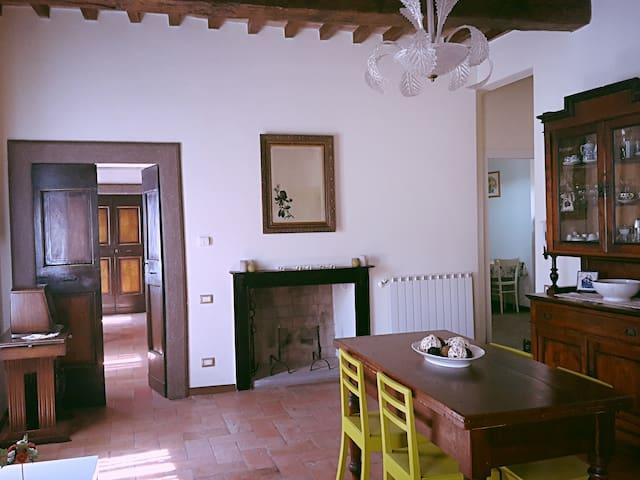 DELLA PORTA home - Gubbio - Apartamento