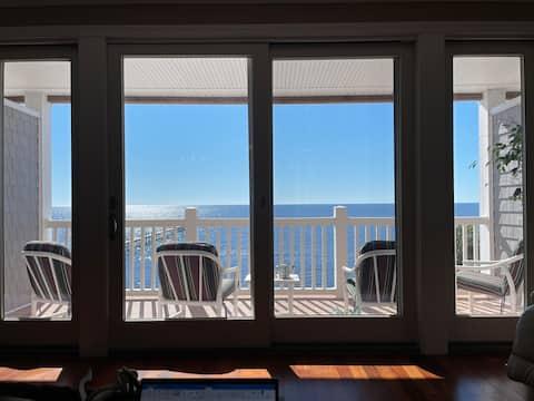 Beachfront, 2 Balconies, fishing pier, wi-fi