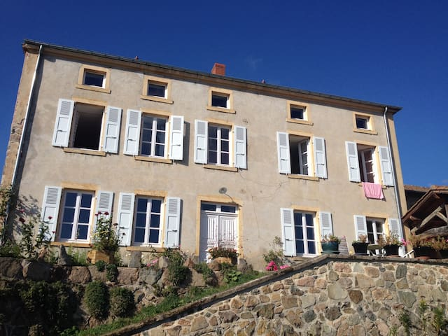 Les hirondelles, Bed and Breakfast - Saint Jean Saint Maurice - Huis