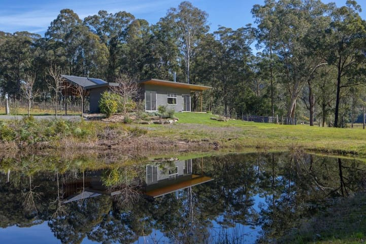 Mill Pond Cabin Earth Houses For Rent In Stroud New South Wales Australia