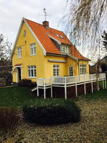 Beautiful house in northern sealand near the sea - Snekkersten - Hus