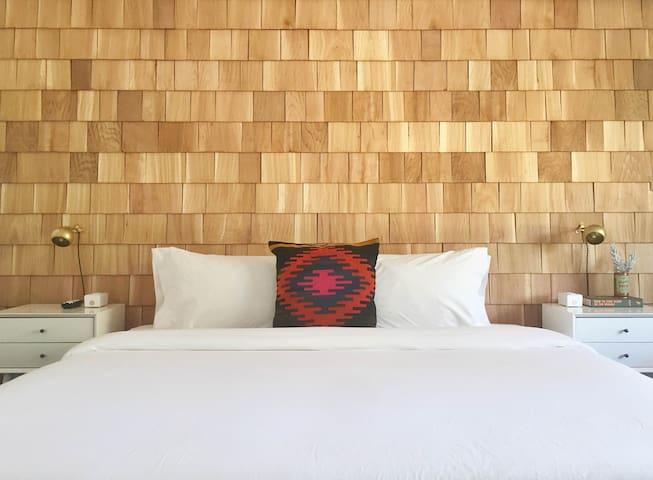 Room 03 at the Amigo Motor Lodge