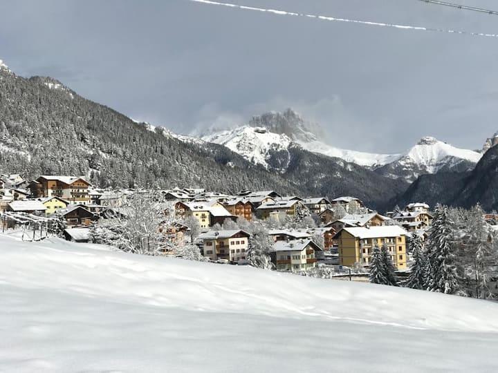 Romantic Attic in Val di Fassa next to QC Terme