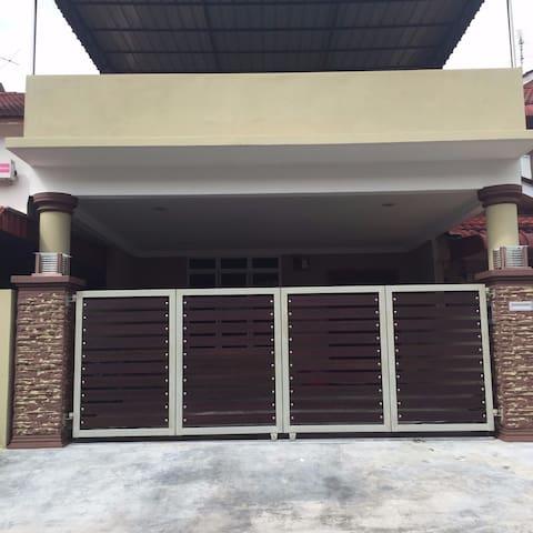 Teratak Ixora Segamat - Segamat