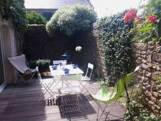 un apéritif et un barbecue sur la terrasse...