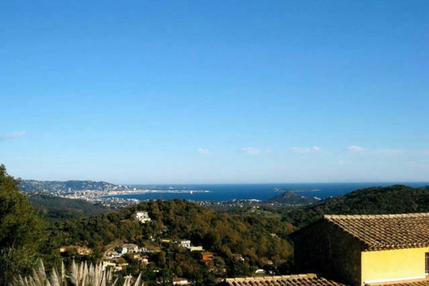 Villa Kinza - Panoramablick auf die Bucht von Cannes / Villa Kinza - panoramic view overlooking the bay of Cannes