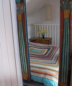 Attic double room with sea views - Falmouth
