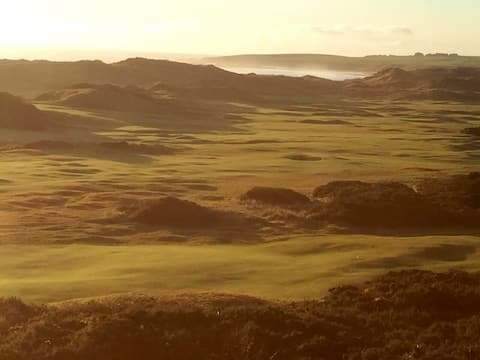 Flat overlooking Championship Links Golf Course
