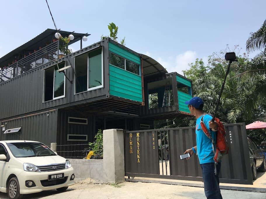 Container house rumah kontena telok panglima garang for Container en francais