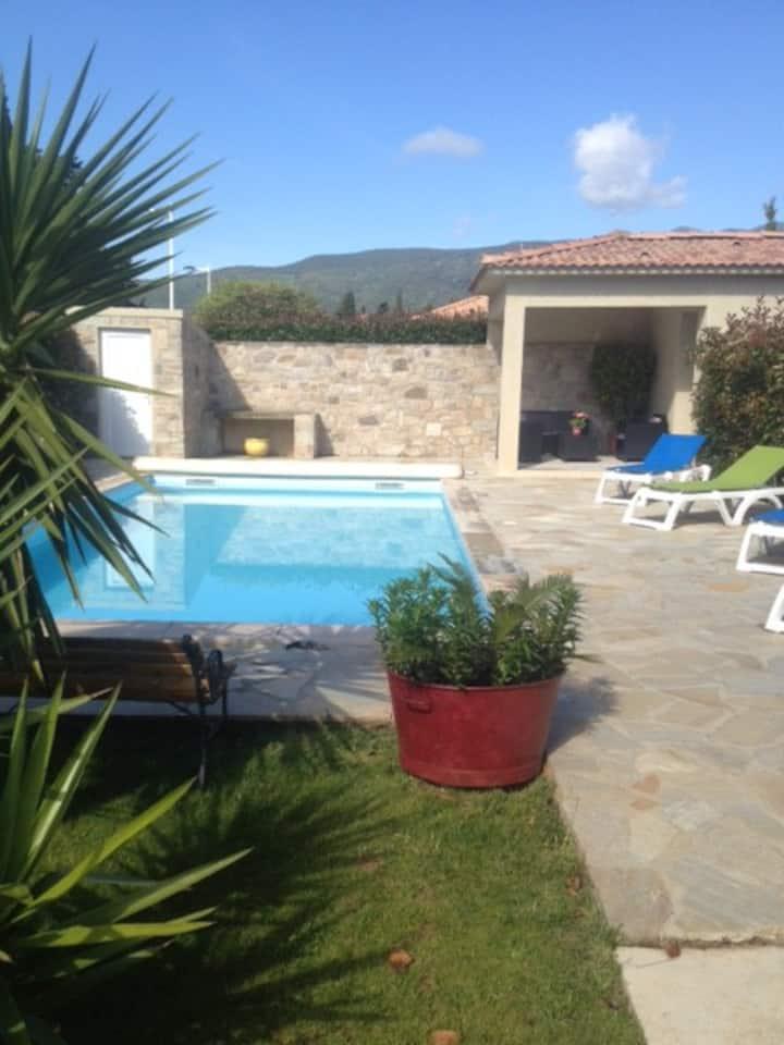 (studio) avec piscine privée  proche de la plage