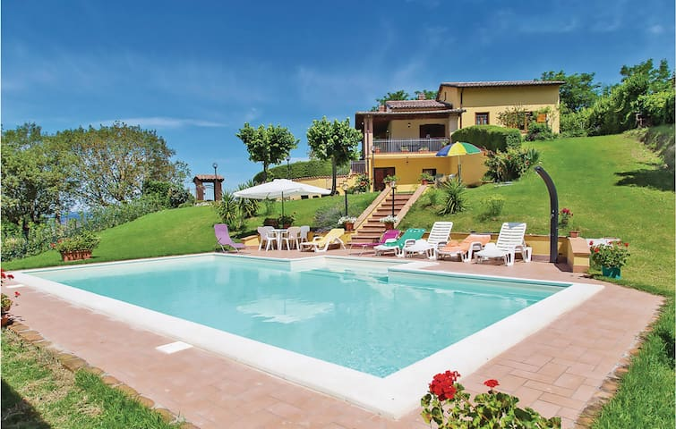 Holiday cottage with 3 bedrooms on 100m² in Guardea TR
